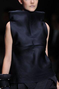 Collar Extension - clean, sharp silhouette; fashion details // Brioni