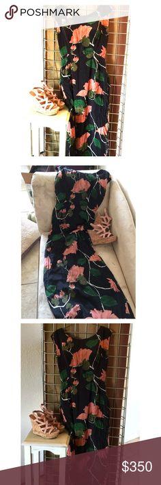"Vintage circa 1950-60's Modèle I.Magnin Maxi Dress Vintage rare Beautiful Black Floral Maxi Dress. Chest 36"" Waist 28 Skirt Length 38"". Zip up back. Good condition. I.Mangnin  Dresses Maxi"
