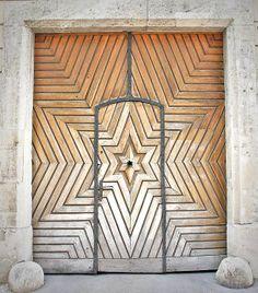 star door; wooden?
