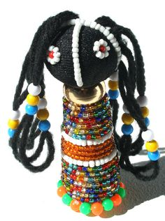 Colors of Africa African Dolls, I Love You Mom, Beaded Crafts, Zulu, East Africa, Doll Crafts, Best Mom, Small Groups, Traditional Art