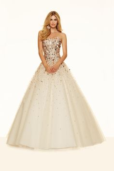 Fabulous Tulle Strapless Neckline Ball Gown Quinceanera Dresses With Sequins 9012483ea649