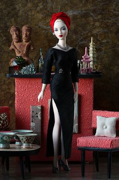Reina del Turbante  Cocktail party in Retros for Mel Odom's JAMIEshow Phenix Gene. Bar and chairs by Darren Cole for Retros.