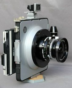 Catawiki Online-Auktionshaus: Cambo wide Dutch camera for 4 x 5 inch plates with viewfinder Nikon Film Camera, Camera Gear, Movie Camera, Old Cameras, Vintage Cameras, How To Make Camera, Camera Photos, Classic Camera, Camera Obscura