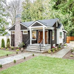 NW Craftsman Cottages And Bungalows, Tiny Cottages, Summer Cabins, Modern Craftsman, Little Houses, House Front, Old Houses, Home Remodeling, Home Furniture