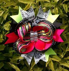 Moños Four Square, Wreaths, Halloween, Decor, Cartago, Decoration, Door Wreaths, Deco Mesh Wreaths, Decorating