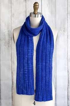 Sapphire Scarf pattern by Christine Marie Chen Easy Scarf Knitting Patterns, Easy Knitting, Knitting Ideas, Scarf Patterns, Loom Knitting, Chunky Knit Scarves, Hand Knit Scarf, Beginner Knitting Projects, Knitting For Beginners