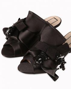 1af341d5599 Low sandals with double-bow detail. Black SatinGrosgrainOpen ToeKitten  HeelsKnots21stOpen Toe ShoesTying Knots · GILMARLAB mules
