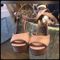 """✨Gorgeous Tan Heels✨ Worn only a few times. Heel height 5""""inches. BRASH Shoes Heels"""