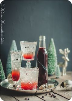 La Grènadine Cocktail und hausgemachter Granatapfelsirup
