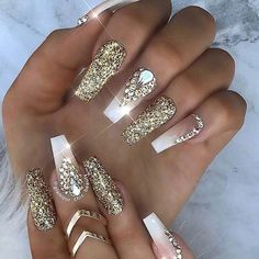 Manicure trend autumn winter 2018 White nails nail polish and gold glitter, nail art easy to do for Christmas. Manicure trend fall winter 2018 White nails nail polish and glitter gold, eas Ongles Bling Bling, Bling Nails, Bling Wedding Nails, Nail Swag, Glam Nails, Cute Nails, Acrylic Nail Designs, Nail Art Designs, Nails Design