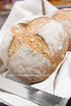 Pagnottine di pane croccante - Trattoria da Martina - cucina tradizionale, regionale ed etnica