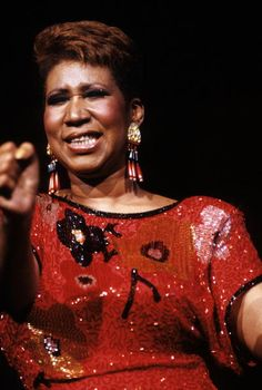 Singer Aretha Franklin performing at a casino in Atlantic City New Jersey on May 27 1989 Music Icon, Soul Music, Music Is Life, John Noble, Aretha Franklin, Black Pride, Natural Women, Celebs, Celebrities