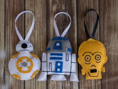 Star Wars Inspired Ornaments Set of your own character set. Paper Christmas Decorations, Christmas Crafts For Gifts, Felt Decorations, Christmas Ideas, Disney Felt Ornaments, Felt Christmas Ornaments, Felt Crafts Diy, Felt Diy, Chewbacca