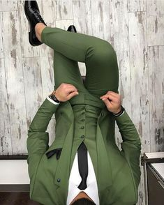 """Men Clothing mensuitsteam: """"Harun Tarz ✔️✔️ """" - Tap the link to shop on our official online store! You can also join our affiliate and/or rewards progra Men Clothing Source : mensuitsteam: """"Harun Tarz Mens Fashion Suits, Mens Suits, Mode Costume, Designer Suits For Men, Look Man, Herren Outfit, Mode Masculine, Suit And Tie, Well Dressed Men"""