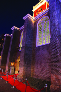 Our lighted chapel from the outside at a wedding Empire State Building, Times Square, Wedding Inspiration, Mansions, House Styles, Travel, Design, Home Decor, Art
