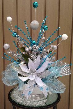 AQUA FROZEN CHRISTMAS - Festive Holiday Tabletop Arrangement - Centerpiece