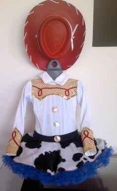 vaquerita jessy tutú con sombrero Buzz Costume, Toy Story Halloween Costume, Halloween Costumes Kids Homemade, Toy Story Costumes, My Little Pony Birthday Party, Toy Story Birthday, Toy Story Party, Dance Costumes Kids, Girl Costumes