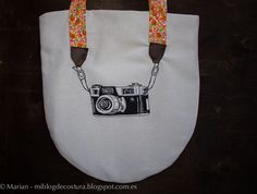 Bag with PHOTO appliqué.