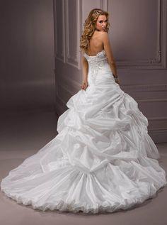 Maggie Sottero Cambi esküvői ruha