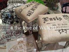 Pallet Furniture, Furniture Projects, Furniture Makeover, Painted Furniture, Stencil Decor, Stencils, Diy Wood Projects, Wood Crafts, Grain Sack