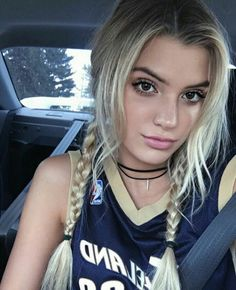 Find images and videos about girl and alissa violet on We Heart It - the app to get lost in what you love. Alissa Violet Style, Alissa Violet Outfit, Allisa Violet, Hair Inspo, Hair Inspiration, Cute Hairstyles, Hair Looks, Pretty People, Blonde Hair