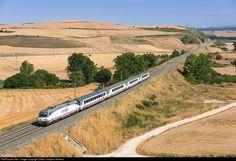 RailPictures.Net Photo: 022 Renfe 252 at Santa María del Invierno, Spain by Didac Vazquez Herrera