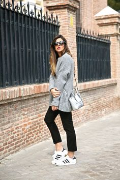 The sporty trend makes me one of the happiest person in the world. I do love wearing sneakers and all the possibilities they bring me to get different styles. Of course, the effortless chic is one of them and also one of my favs. This cozy casual outfit is a good example Suit trousers look …