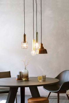 Home Design Interior and Outdoor Decoration Dining Room Inspiration, Interior Inspiration, Home Lighting, Lighting Design, Rooms Ideas, Happy New Home, Modern Wall Sconces, Modern Dining Chairs, Dining Room Design