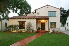 California Cottage Style | Spanish Revival  I like the rounded steps