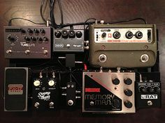 """This is a """"modulation/delay"""" board. Presumably there's an overdrive/fuzz/synth board lurking round somewhere else."""