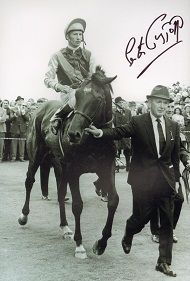 Trainer Vincent O'Brien leads his beloved Nijinsky after he had captured the British Triple Crown, a proud Lester Piggott the jockey Horse Fly, Horse Racing, Canadian Horse, Royal Ascot Races, Triple Crown Winners, Horse Anatomy, American Pharoah, Sport Of Kings, Thoroughbred Horse