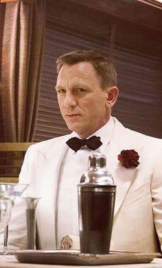 Daniel Craig ;)