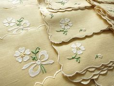 DAISIES & BOWS Vintage Madeira Linen Embroidered 16 pc Set Placemats Napkins