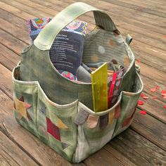 sewing stuff bag by Quiltycat (search the site and you will find it). Also a nice potholder tutorial, the kind that folds in the middle.