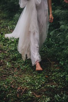 Moody & Ethereal Inspired Bridal Shoot on a Christmas Tree Farm! You can find different rumors about the history of … Colored Smoke, Princess Aesthetic, Christmas Tree Farm, Winter Wedding Inspiration, Witch Aesthetic, Bridal Shoot, Portrait, Ideias Fashion, Photoshoot