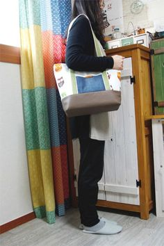 Easy Canvas Tote Bag with Pocket. Step by step DIY Tutorial.
