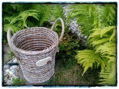 Pletení 2017 Wicker Baskets, Home Decor, Photograph Album, Decoration Home, Room Decor, Home Interior Design, Home Decoration, Woven Baskets, Interior Design