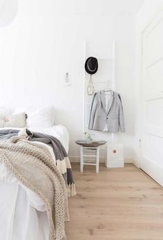 Scholarly bedroom decor info pop over to this site Romantic Bedroom Design, Design Your Bedroom, Scandi Bedroom, Diy Bedroom Decor, Bedroom Ideas, Bedroom Design Inspiration, Ikea, Pretty Bedroom, Bedroom Accessories