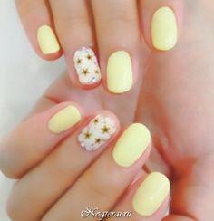 Желтый маникюр: яркие ногти солнечного цвета