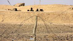 Los muros de la verguenza: Sahara Occidental. Wind Turbine, Walls