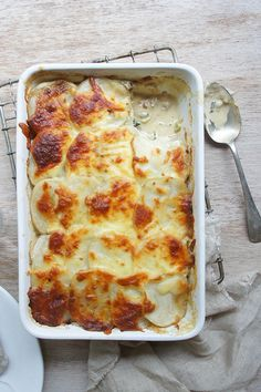 "Creamy Potato Bake by - ""This recipe is right up there with the best of them, very tasty and is also great reheated the next day. Savoury Dishes, Vegetable Dishes, Vegetable Recipes, Vegetarian Recipes, Vegetable Bake, Fun Baking Recipes, Cooking Recipes, Cooking Kale, Cooking Fish"