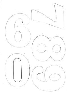 Large Numbers Print on A4 paper for numbers suitable for soccer/football tops and pastillage number cake toppers. I will post numbers 6 7 8...