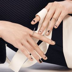 Cool 50 Minimalist Nail Art Ideas for The Lazy Cool Girl www.c… O… - NailiDeasTrends Cool 50 Minimalist Nail Art Ideas for The Lazy Cool Girl www. Nailart, Negative Space Nails, Black Nail Art, White Nail, Black Nails, Black Art, Minimalist Nails, Minimalist Art, Manicure Y Pedicure