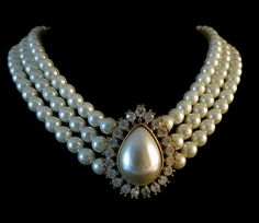 Pearl and Rhinestone Necklace – Unsigned