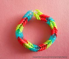 How to Make a Fishtail Rubberband Bracelet Without a Loom - Journey Into Unschooling