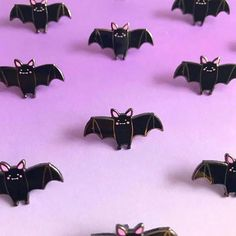 Adorable little bat enamel pin Kawaii Halloween, Cute Halloween, Pin And Patches, Iron Patches, Pastel Goth Fashion, Cute Pins, Lapel Pins, Types Of Fashion Styles, Knick Knack