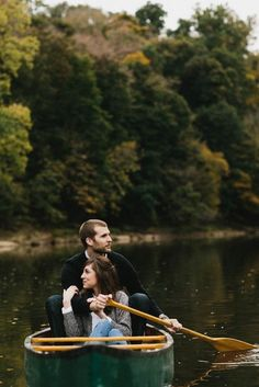 Adorable Canoe Engagement Session. Perfect idea for the fall!