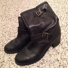 """Michael Kors boots Women's 8.5. Black leather. Comfortable and cute. About 2"""" heel height. Please use offer feature. Michael Kors Shoes"""