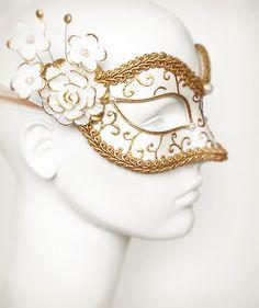 White & Gold Embellished Masquerade Mask Venetian por SOFFITTA