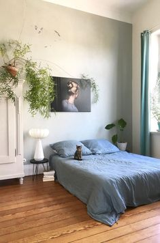 A Charming German Home Full of Vintage Finds and Very Playful Cats! (my scandinavian home) Bedroom Inspo, Home Decor Bedroom, Bedroom Ideas, Dream Apartment, Aesthetic Rooms, Decoration Design, Home And Deco, New Room, Room Inspiration